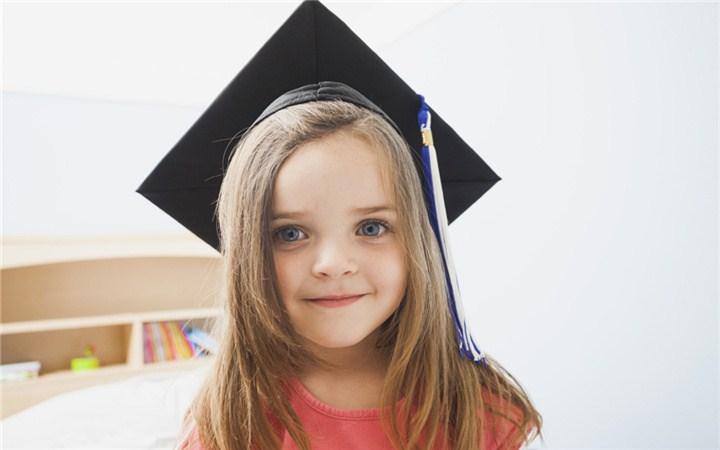 毕业证印错字母6年,美国大学花30万重印!